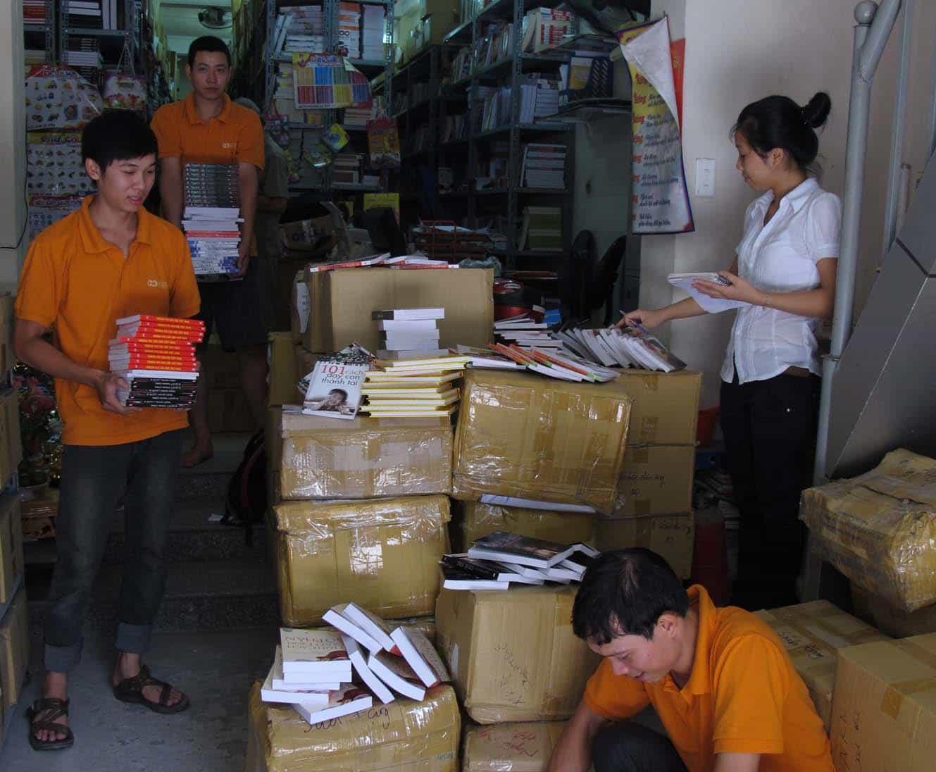 chuyen-hang-di-my-va-van-chuyen-sach-vo-sang-my Chuyển Hàng Đi Mỹ và Vận Chuyển Sách Vở Sang Mỹ Giá Rẻ