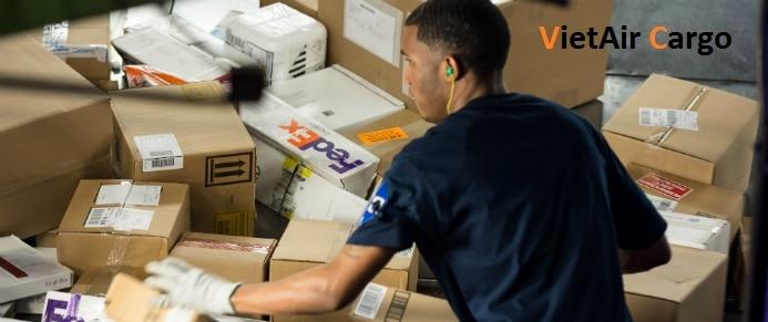 dich-vu-gui-hang-di-my-cua-vietair-cargo Những câu hỏi thường gặp dịch vụ gửi hàng đi Mỹ của VietAir Cargo