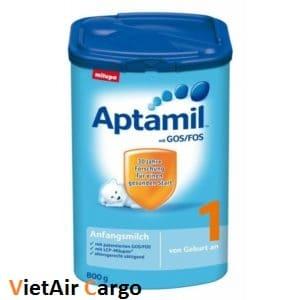 sua-Aptamil-cua-anh Trẻ sơ sinh uống sữa gì để tăng cân?