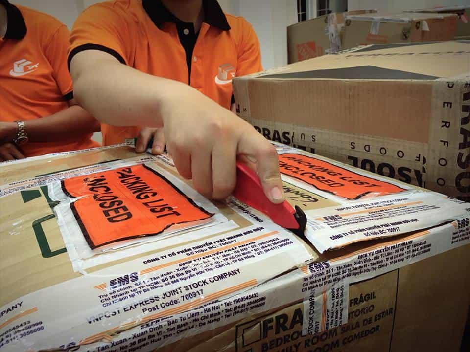 vietair-cargo-nhan-gui-hang-tu-california-ve-viet-nam VietAir Cargo- chuyên nhận gửi hàng từ California về Việt Nam giá rẻ